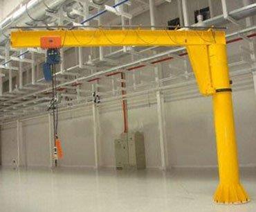 Equipamentos de movimentação de cargas pesadas industriais