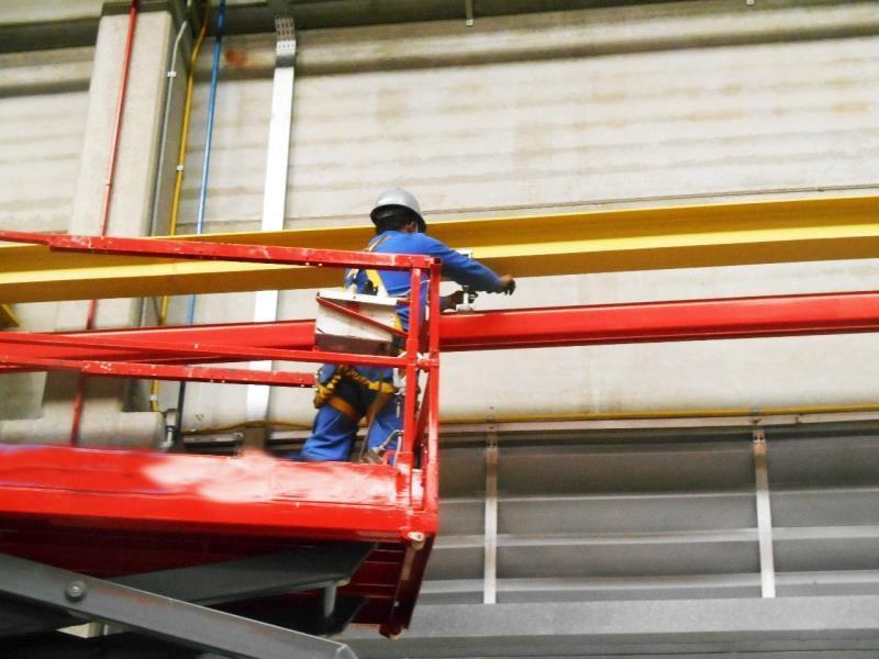 Manutenção preventiva de pontes rolantes